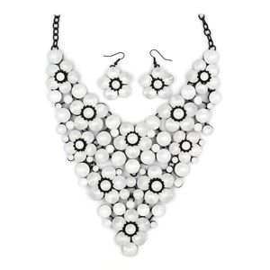 Milky crystal flower necklace set